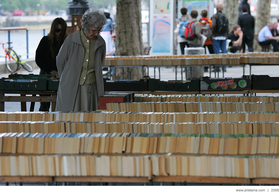Book market at South Bank